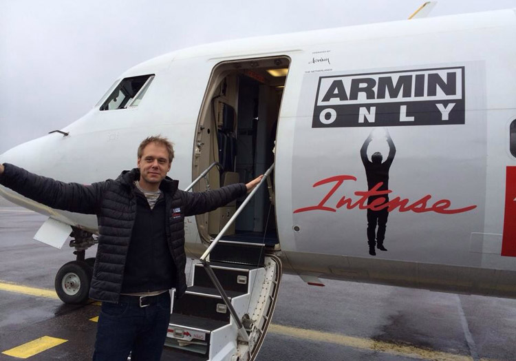 Armin-van-Buuren-aircraft