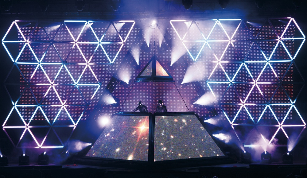 daft-punk-pyramid
