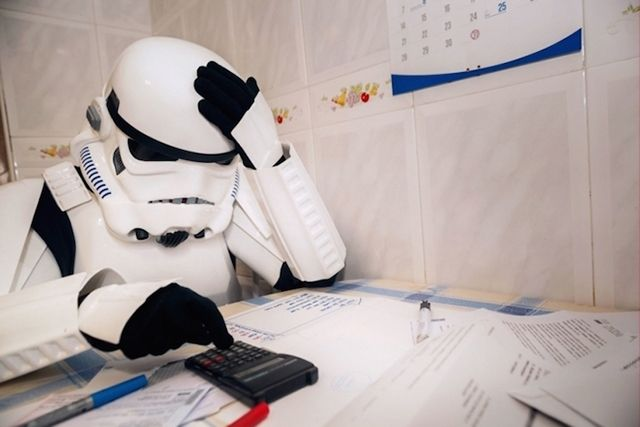 7225209_stormtroopers-as-regular-people-doing-everyday_t5043a587.jpg