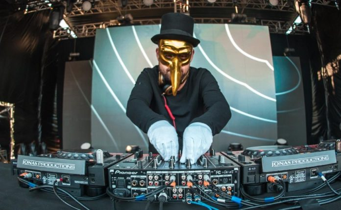 claptone-ravejungle-696x428.jpg