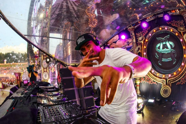 Tomorrowland-2017-Afrojack-1068x601