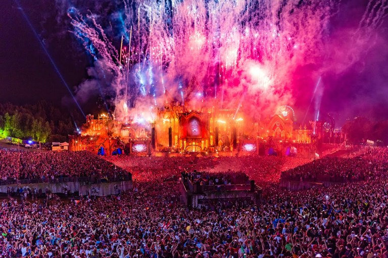Tomorrowland2015