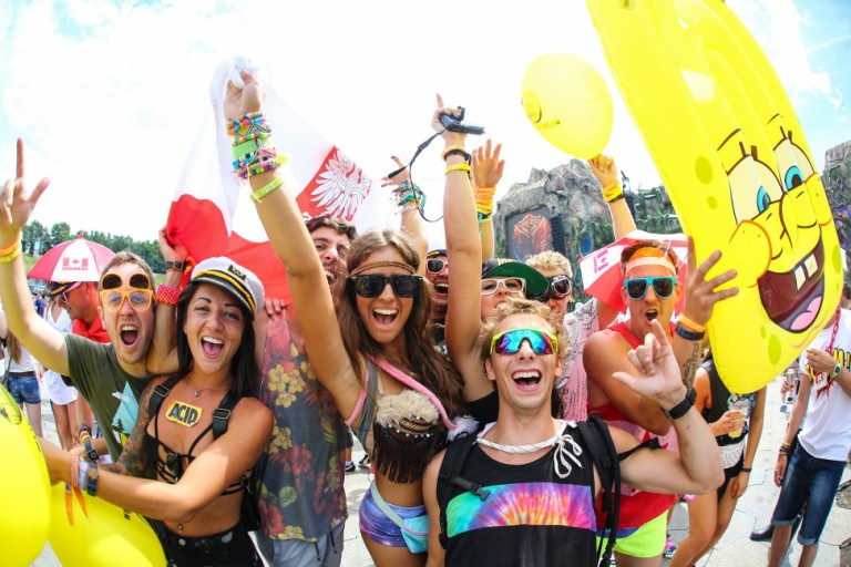 Rave-Outfit-Ideas-973x649