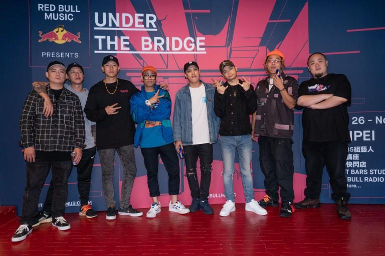 各路音樂好手集結打造UNDER THE BRIDGE嘻哈音樂學院 (由左至右)DJ Afro、頑童MJ116小春&瘦子、Trout Fresh呂士軒、小光L.C、絕情少年Barry、Tipsy、頑童MJ116大淵.jpg